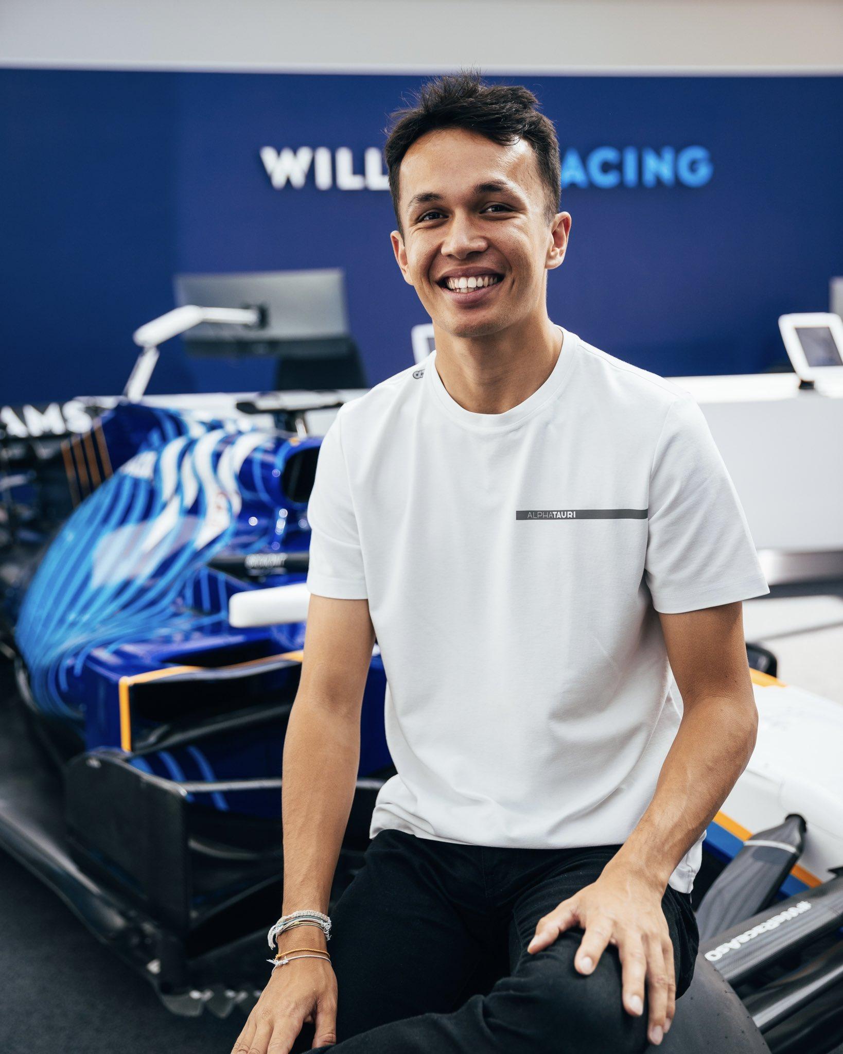 Williams choisit Alex Albon pour 2022