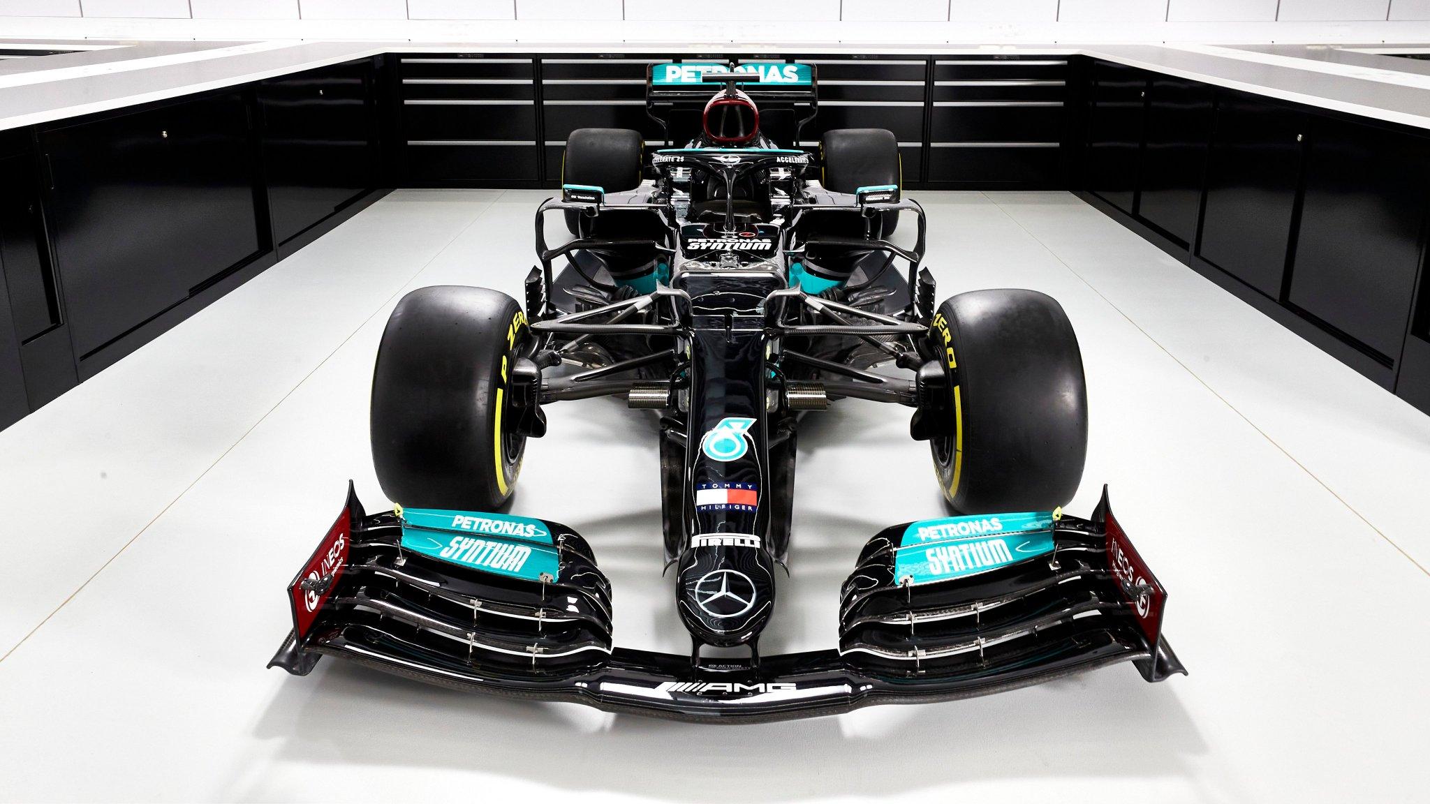 Présentation de la Mercedes W12