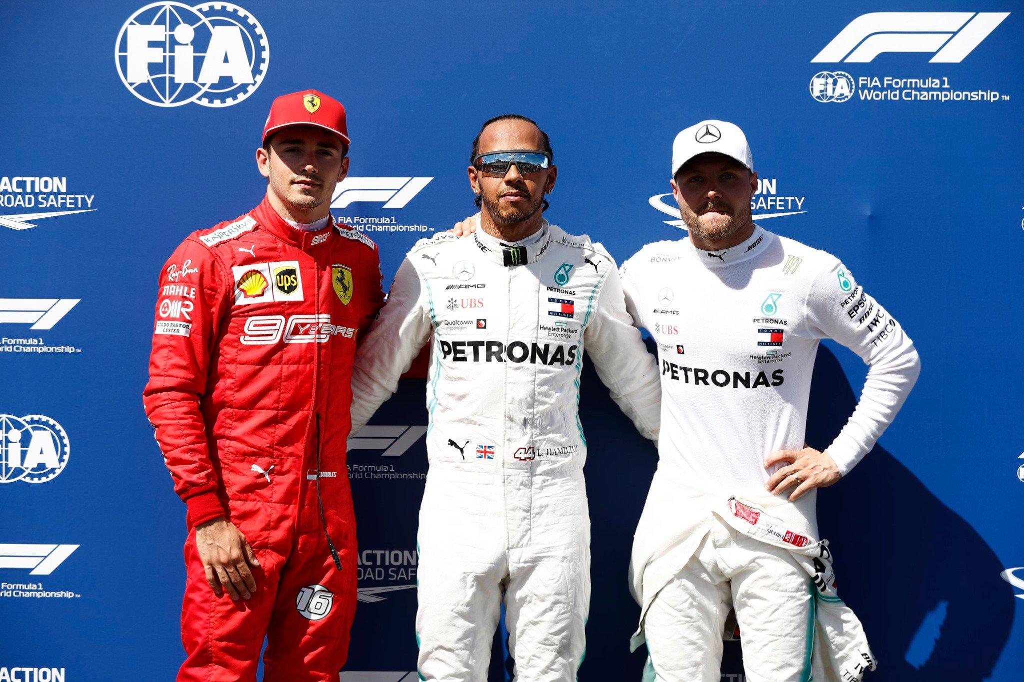 1ère ligne Mercedes, Hamilton bat le record du circuit