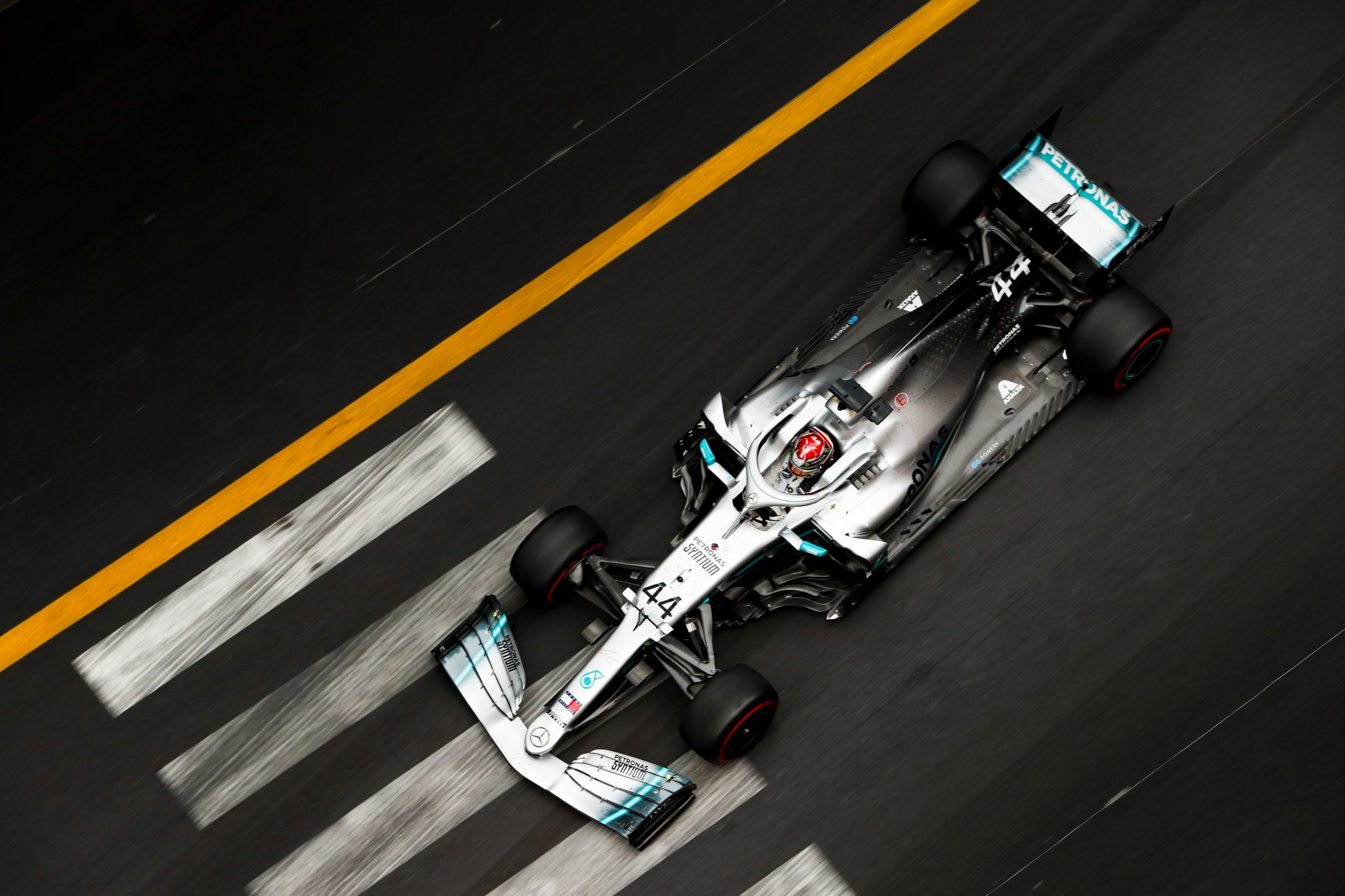 Les Mercedes dominent déjà à Monaco