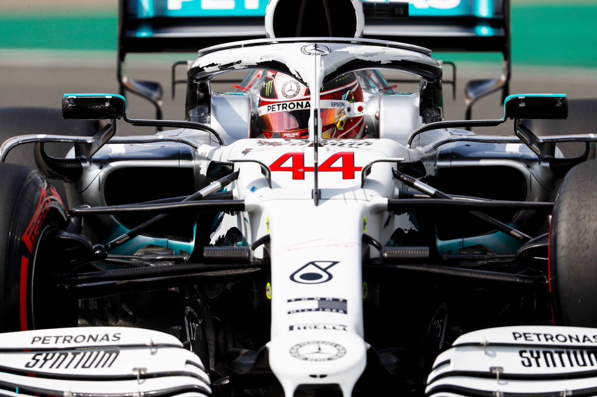 Nouvelle pole pour Hamilton, Ferrari à la rue