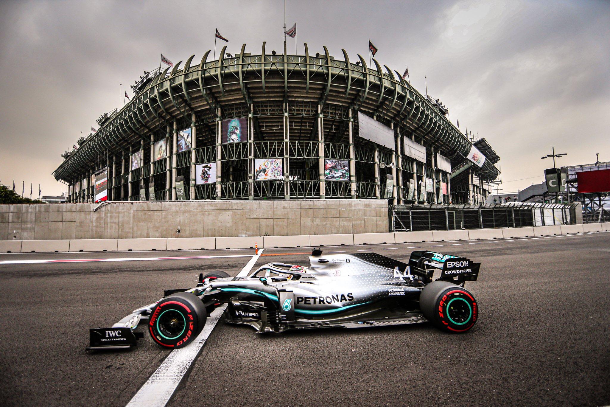 Hamilton gagne au Mexique mais n'est pas champion