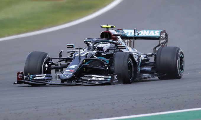 Hamilton remporte le Grand Prix de Grande-Bretagne sur 3 roues