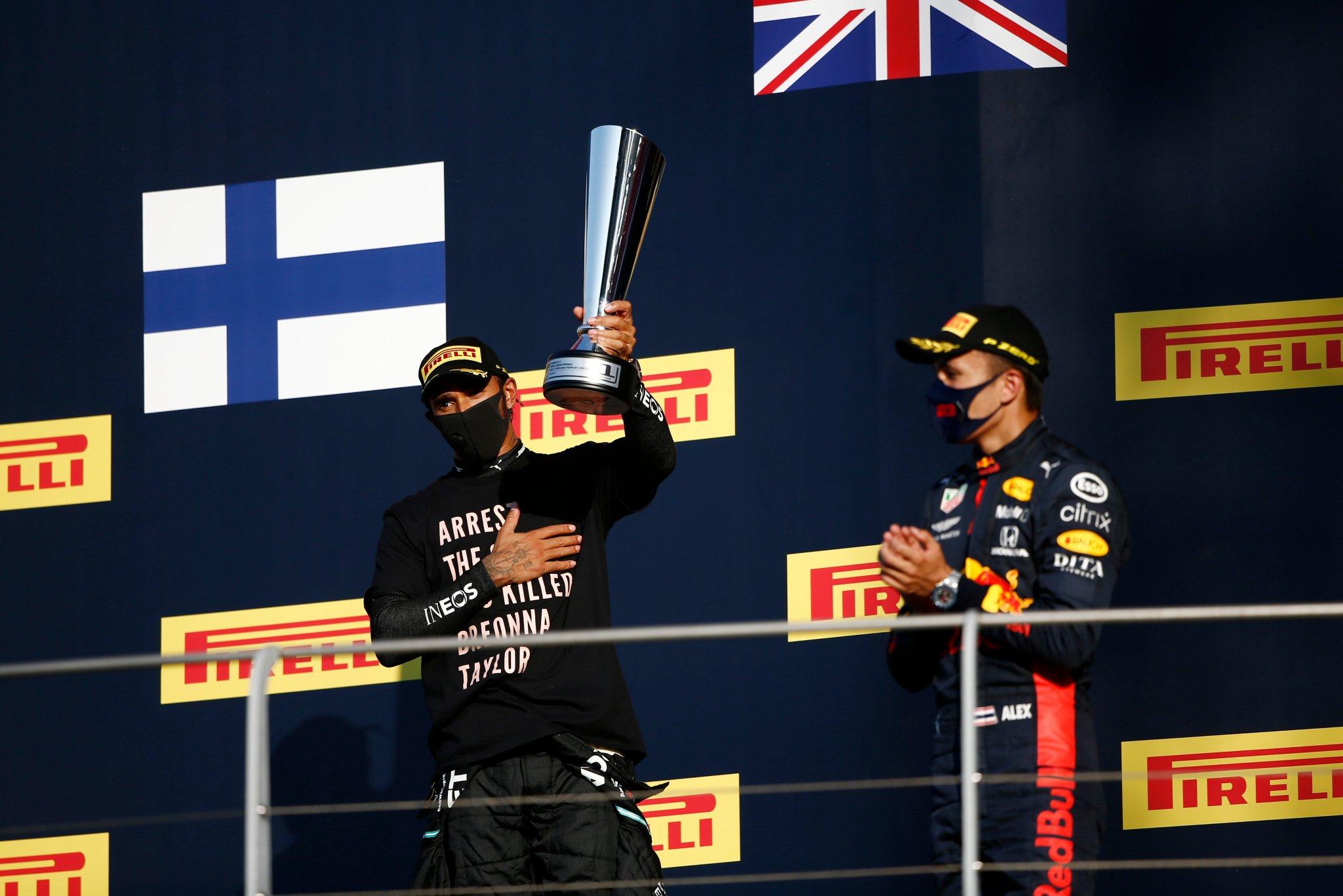 Doublé Mercedes et premier podium pour Albon en Toscane