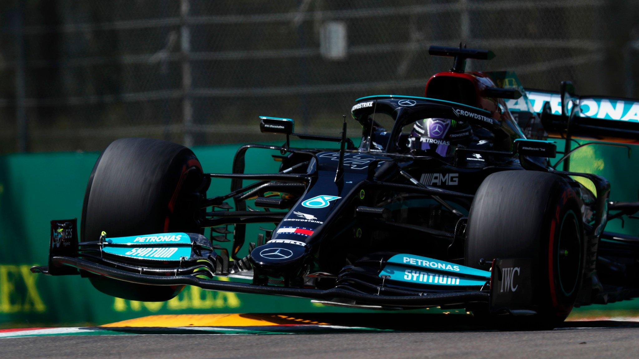 Hamilton signe sa 99ème pole à Imola