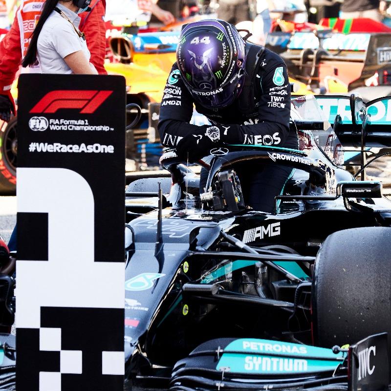 Hamilton franchit le cap des 100 poles à Barcelone