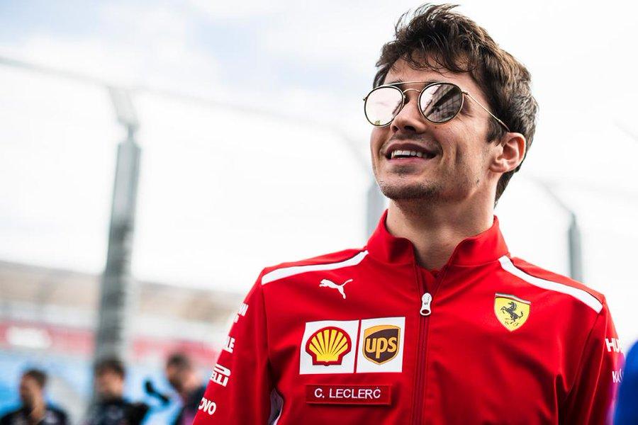 Charles Leclerc signe sa première pole à Bahrein