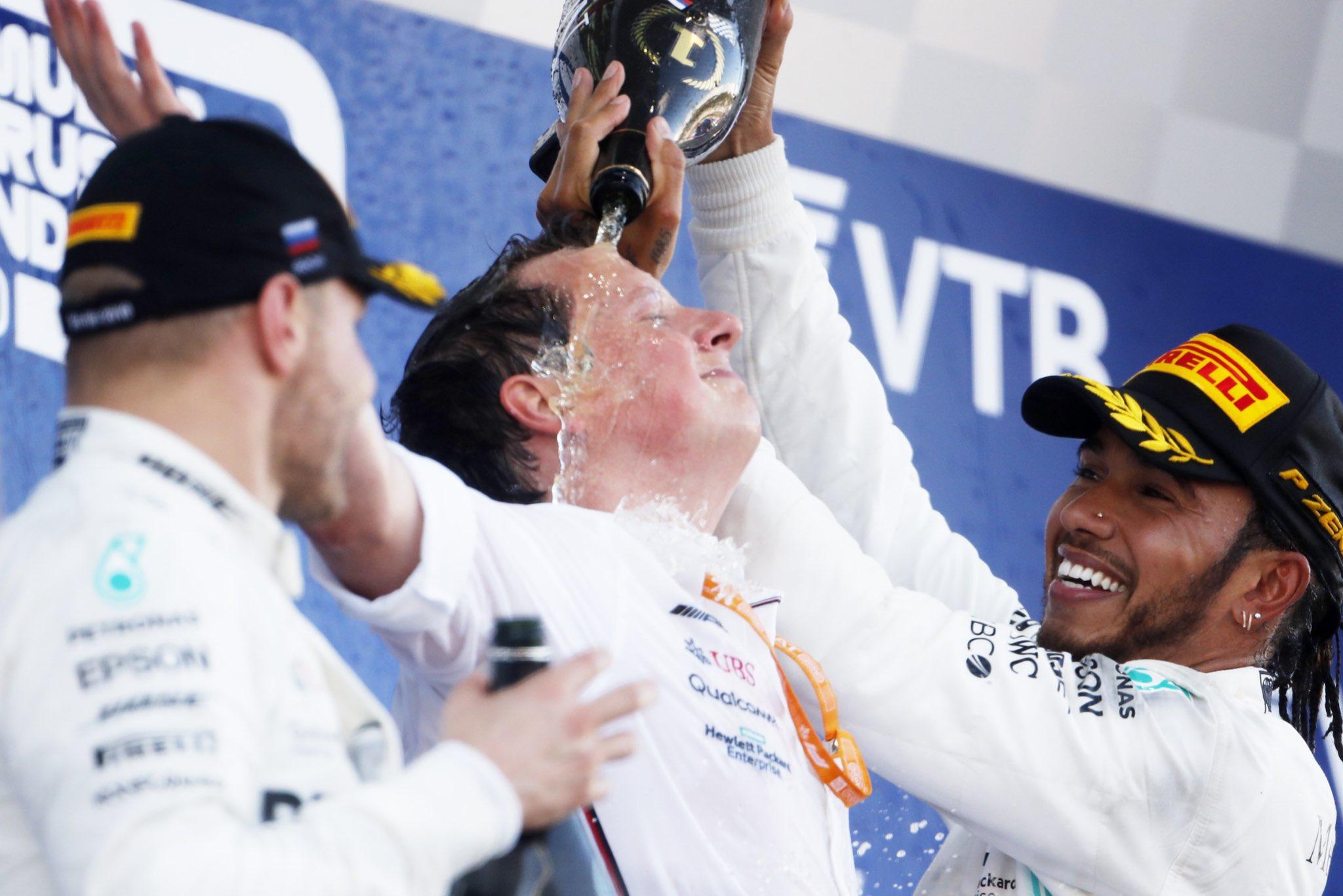 Mercedes signe un doublé inattendu en Russie