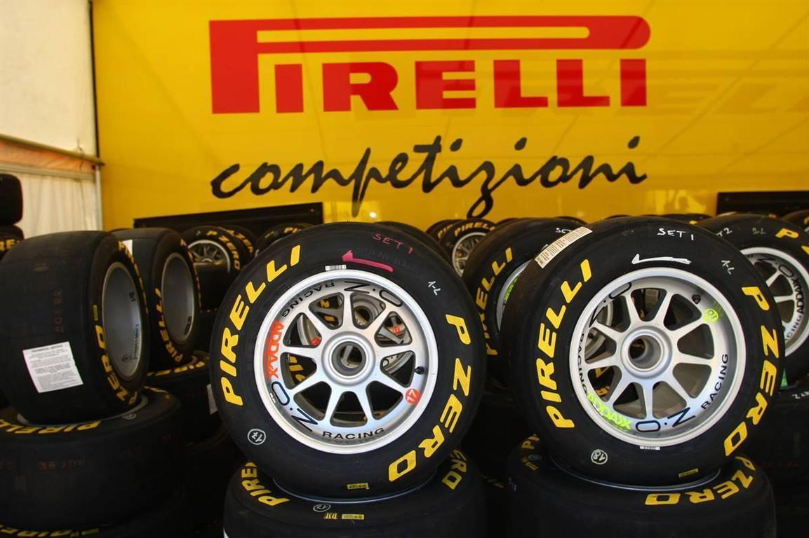 http://www.superf1.be/spip/IMG/jpg/pirelli-p-zero-f1-tyres.jpg