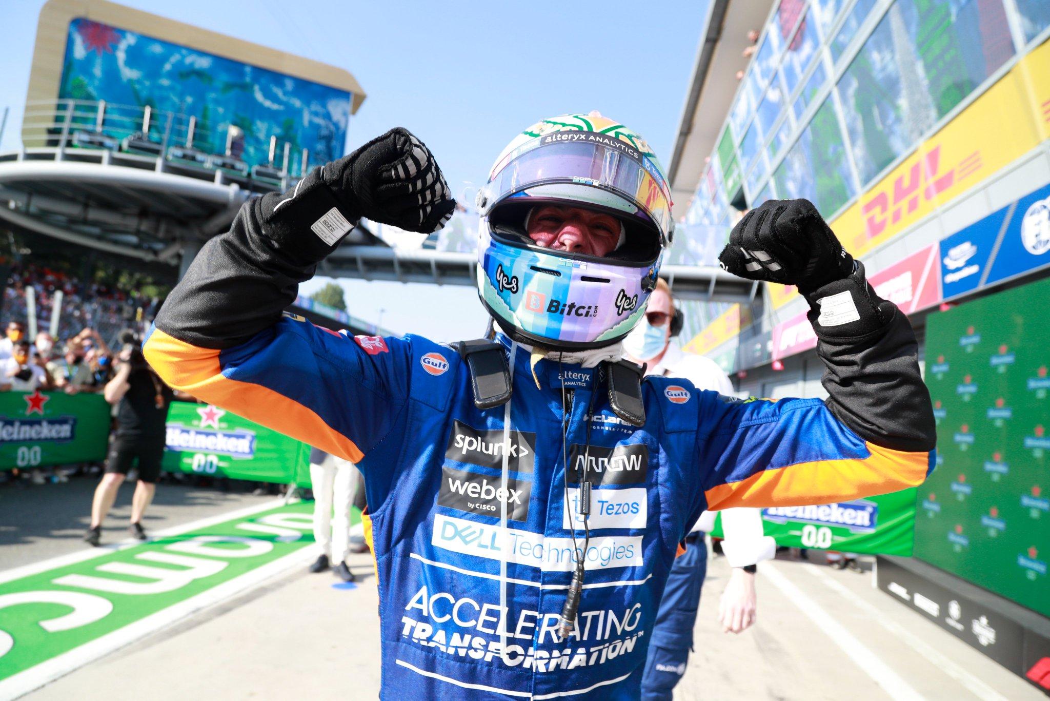 Victoire de Ricciardo, doublé McLaren et accrochage des 2 candidats au titre