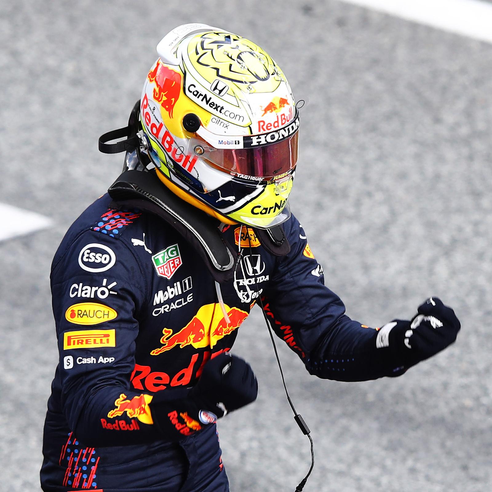 Verstappen mène la course de bout en bout en Styrie