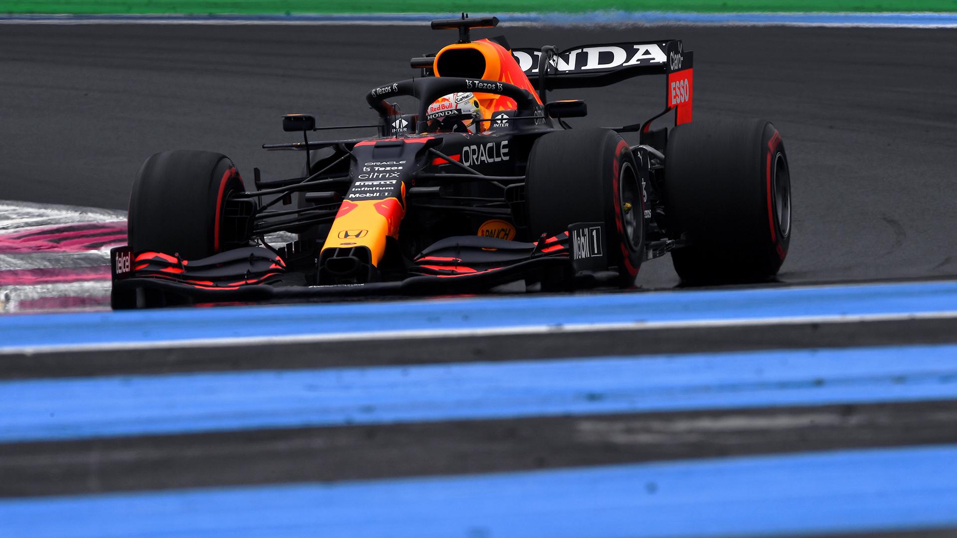 Verstappen décroche la pole en France